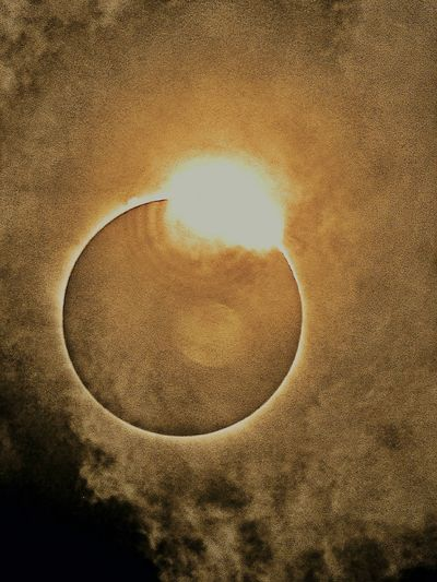 Backgrounds Full Frame No People Sun Close-up Outdoors Day Beauty In Nature Sky Nature Tranquility Cloud - Sky Astronomy Eclipse 2017 Universe Galaxy Our Dying Life Line Neverstopexploring  NASA Moon Solar System Solar Eclipse Reason We Go Because It's Hard