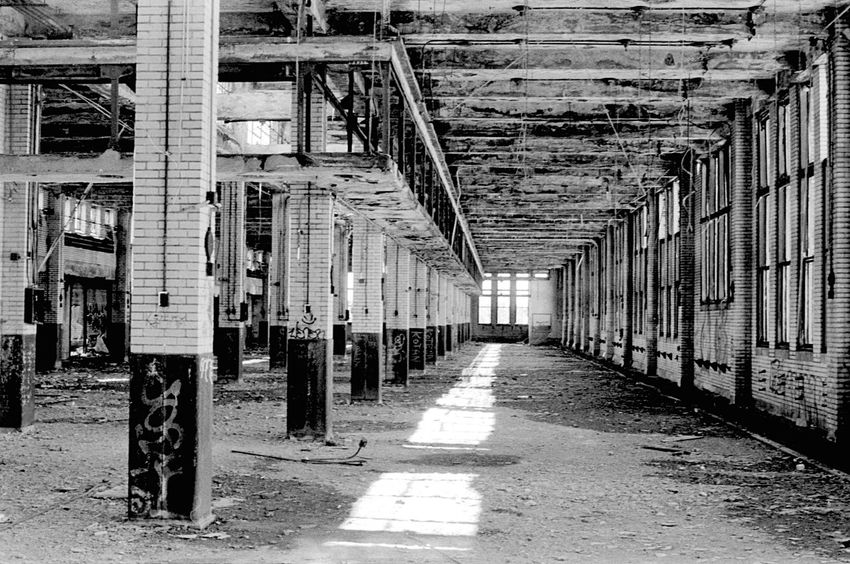 Industrial Abandoned Interior Black And White Blackandwhite EyeEm Bnw Contrast Sunlight Analog Shadow Film Analogue Photography Istillshootfilm 35mm TriX400 Rodinal Olympus OMG Buffalony Building Monochrome Light And Shadow Fresh On Eyeem  Perspective Vanishing Point The Architect - 2016 EyeEm Awards