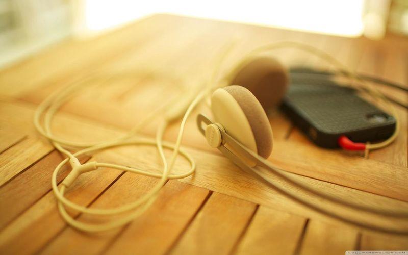 I listen alone music