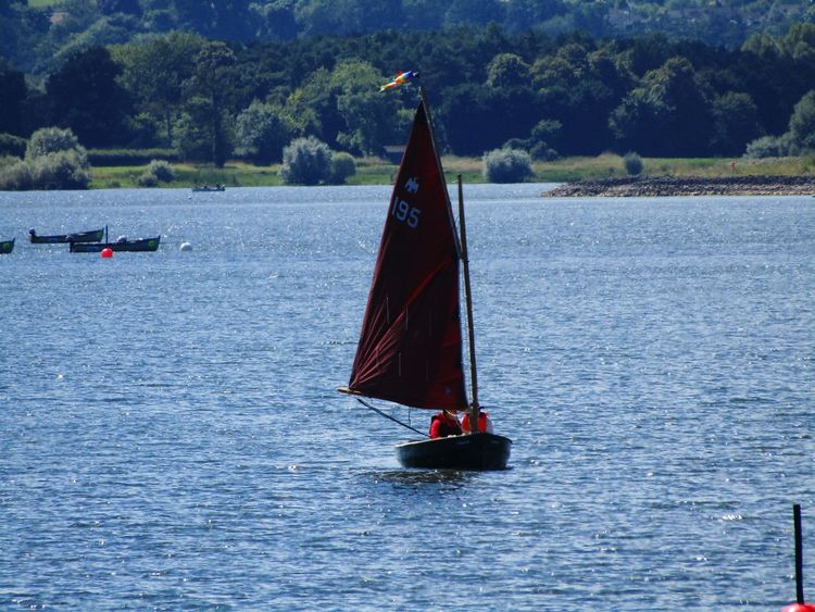 Sailing Boat On Lake Transportation Nature Nature On Your Doorstep Chewvalleylake Hills Background Taking Photos Summer Memories 🌄