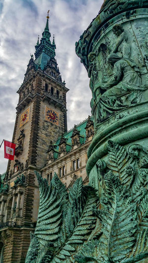 Townhall Architecture Building Exterior Built Structure Cloud - Sky Day Green Color Handy Photo Low Angle View Multi Colored No People Outdoors Sculpture Sky Statue Townhall Hamburg Travel Destinations Vertical