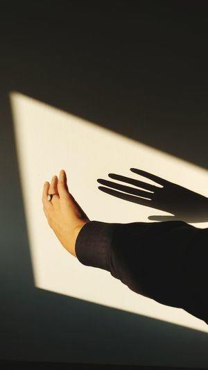 EyeEm Selects Human Hand Indoors  Human Body Part Shadow Sunlight People EyeEm Best Shots Composition Reportagespotlight TheWeekOnEyeEM Done That. Shadows & Lights The Week On EyeEm EyeEmNewHere Indoors  Minimal Abstract Connection Hands Conceptual Fine Art Photography Fineart Low Section ArtWork Second Acts