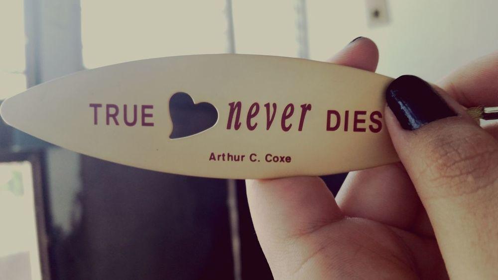 Book Filosofía Lovethis EyeEm Best Shots True Love Never Dies Fav.
