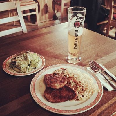Schnitzel mit Nudeln und Salat. Lecker wie immer. :) Immendingen Brennerhof Tuttlingen Beer Foodkoma Food Essen Salad Schnitzel Bier Noodles Foodporn Salat Weissbier Nudeln