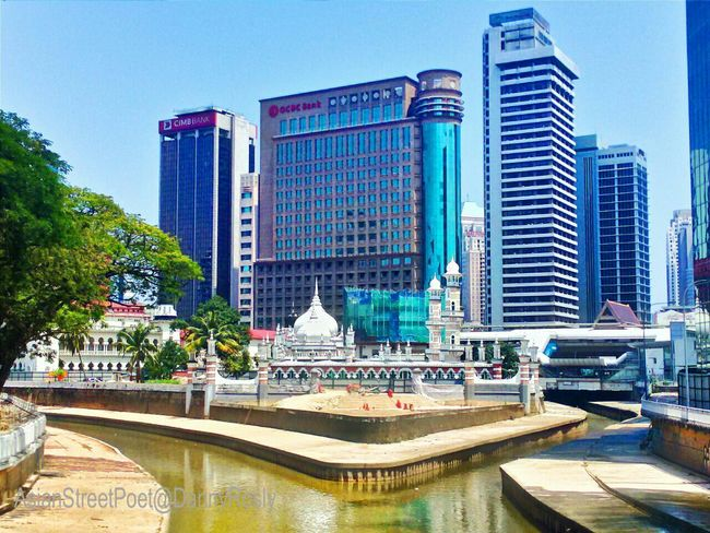 Another lovely day indeed...Walk This Way The Places I've Been Today Popular Photos Life In Motion Street Photography Urban Landscape EyeM_Malaysia Amazing Architecture Stunning_shots