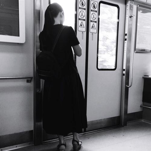 文艺重庆 | 039 Iphone6plus Real People One Person Rear View Lifestyles Train Public Transportation Standing