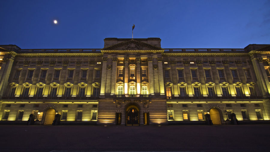 Architecture Architecture Built Structure City Illuminated Lighted London Low Angle View Moonlight Night Nightphotography No People Palace Royalty United Kingdom