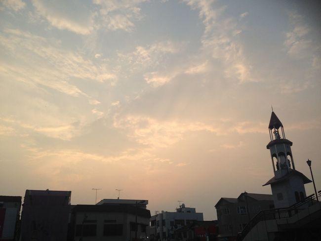 駅 空 Sky Staion 0615 Monday 夕方 Beautiful