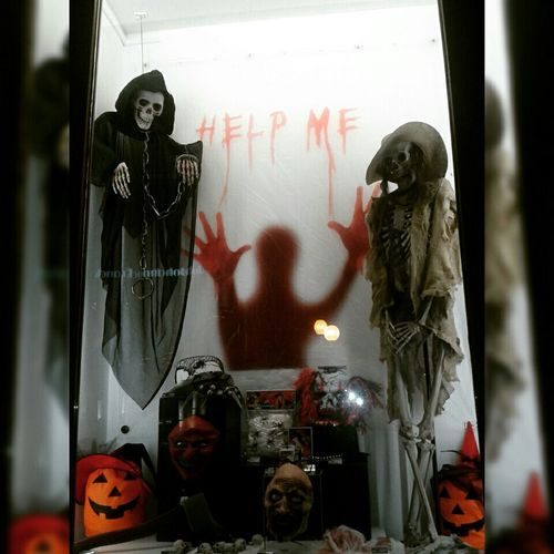 🎃🎃🎃🎃🎃🎃🎃 nice halloween decoration in Muller store 😁☺ Halloween Halloween_Collection Halloween EyeEm Halloween2015 Halloweenideas Halloween🎃 Halloweenfun Halloweendecorations Happy Halloween! Halloween Pumpkins