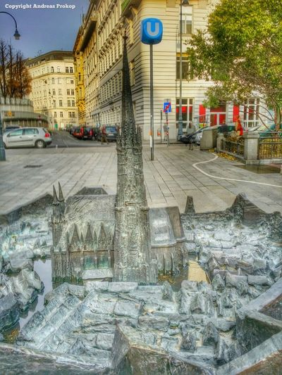 Vienna Austria always a good place for a holiday! Streetphotography& Architecture love to entertain you. #Streetwandern