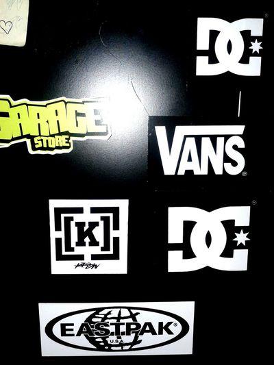 love these brands DC KREW Eastpak Vans Garage Garagestore PC Side