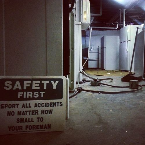 Myboss Clueless Youmustbejoking Safetyfirst donttrip assoverteakettle accidentwaitingtohappen ironic sign ilovethisjob