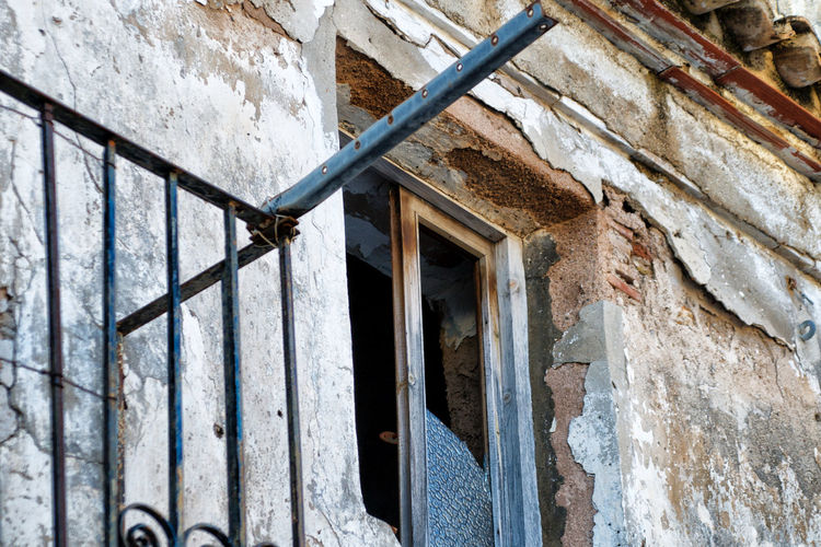 Abandoned House Abandoned Place Architecture Broken Window Building Exterior Built Structure Close-up Day No People Outdoors Ruined Wall