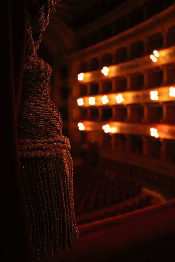 Magia teatrale Theater Theaterlights Canon Canon77d 50mm F1.8 Tent Illuminated Christmas Lights City Holiday - Event Hanging Nightlife Close-up Fairy Lights