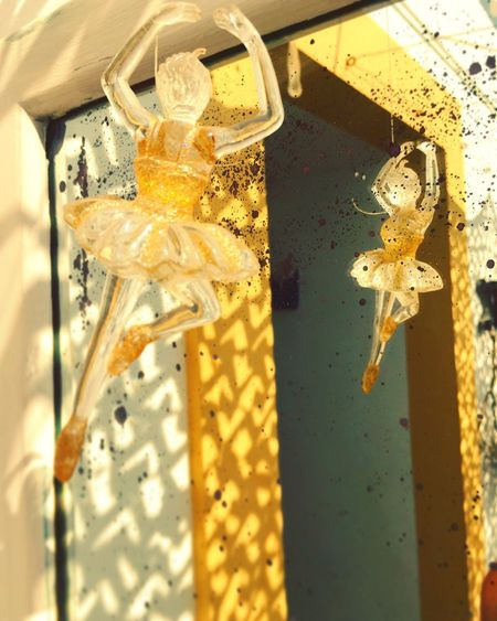 Tiny dancer Details Reflection Dancer EyeEmNewHere Mirror Close-up Yellow Focus On Foreground EyeEmNewHere
