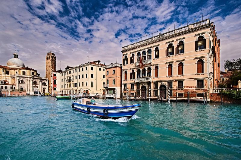 Cultures Gondola - Traditional Boat Travel Destinations Architecture Canal Building Exterior Cloud - Sky Tranquil Scene City Sky No People Outdoors Water Day