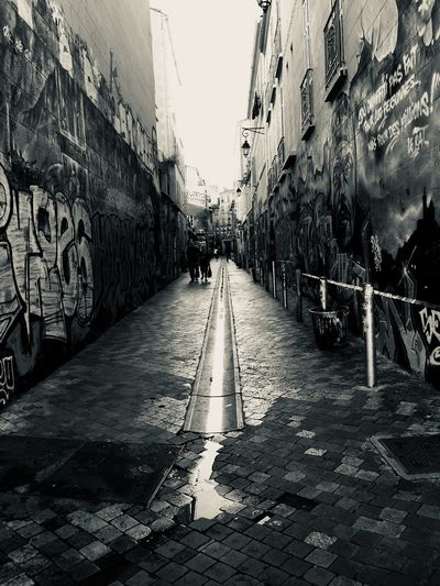 Streets Arr Urban Tag Graffiti The Way Forward Architecture Built Structure Direction Graffiti Building Exterior City Day Wall - Building Feature Diminishing Perspective Sky Street Nature Incidental People Transportation Art And Craft Real People Lifestyles Outdoors Creativity