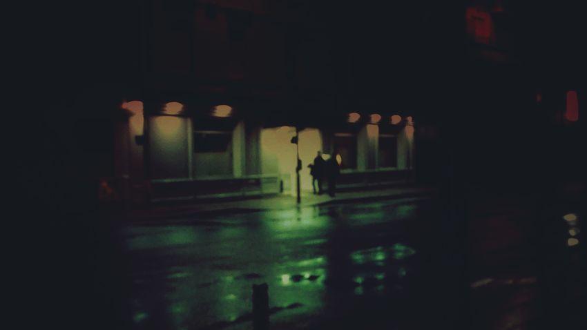 Nightphotography There Is No Hell Motel Dans L'ombre En Silence Couple Entre Ombre Et Lumiere Enjoying Life Arona à Vous L'antenne Raining