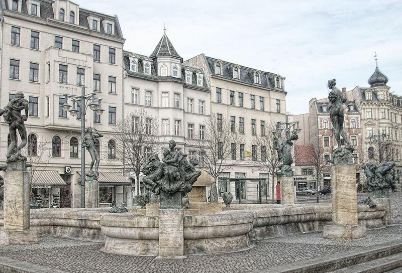 Göbelbrunnen in Halle Brunnenfigur Halle (Saale) Salzstadt Architecture City Creativity History Sculpture Statue Tourism