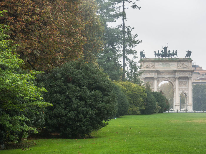 Plant Tree Architecture Grass Green Color Arch Nature Built Structure No People The Past History Day Travel Destinations Travel Lawn Tourism Growth Triumphal Arch Garden Outdoors Italy Mediolan