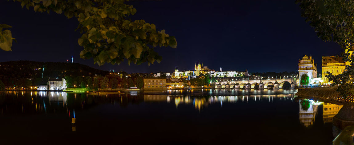 Prag bei Nacht SONY A7ii Nachtaufname Langzeitbelichtung Himmel Brücke Nachtfotografie Prag Bei Nacht Prague Architecture Beauty In Nature Building Exterior Built Structure Illuminated Nature Night No People Outdoors Reflection Sky Tree Water