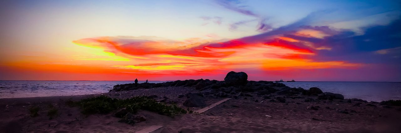 Learn to see beyond the Horizon.... EyEmReady Sea Sunset Horizon Over Water Sky Scenics Nature Beauty In Nature Orange Color Tranquil Scene Tranquility Cloud - Sky No People