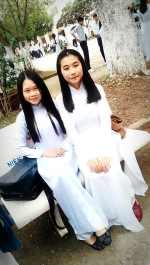The Color Of School Beginning Of Term School Uniform Smileeveryday Long Hair Ao Dai Vietnam AodaiVietNam ❤️ Looking At Camera Young Women Best Friends Smile ♥ Nature_perfection Love Came And Grab Me By My Hand And Said Lets Be Together FIREVER. Hot&cold Casualwear