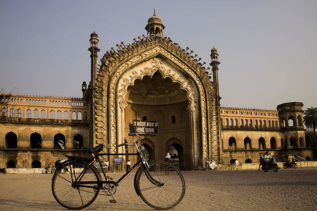 Travel Destinations Bicycle Architecture Cycling Arch Vacations Travel Tourism Built Structure Building Exterior History King - Royal Person City Lucknowdiaries Lucknow Lucknow👌City Pattern Roomi Gate Of Lucknow, Up, India The Street Photographer - 2018 EyeEm Awards