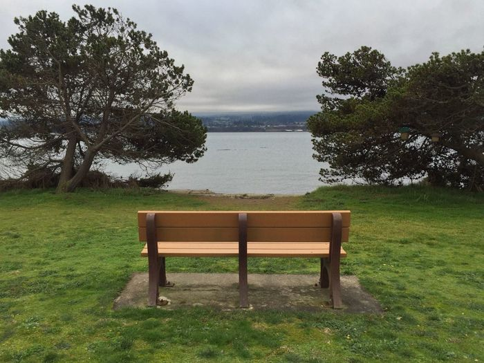 Nice place to sit and reflect...if it weren't so cold. Gloomy Gloomy Weather Photo365 Ocean Iphoneonly Mobilephotography Mobile Photography IPhoneography Chilly IPhone IPS2016Composition