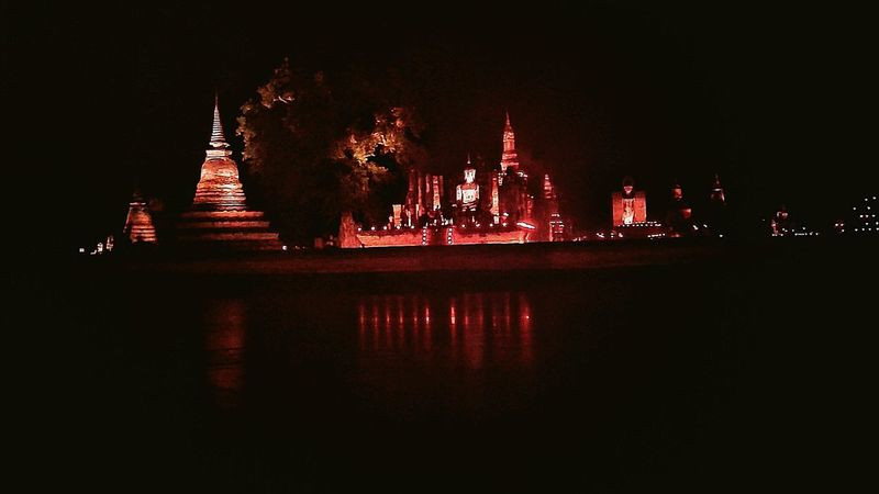 Reflection Night Mobilephotography ลอยกระทงสุโขทัย Travel Destinations Religion Architecture Temple. Windows Bhudist Waterfront
