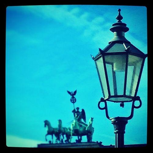 #berlin #branderburgertor #lamp #lantern #laterne #view Lamp Lantern Laterne Branderburgertor Berlin View
