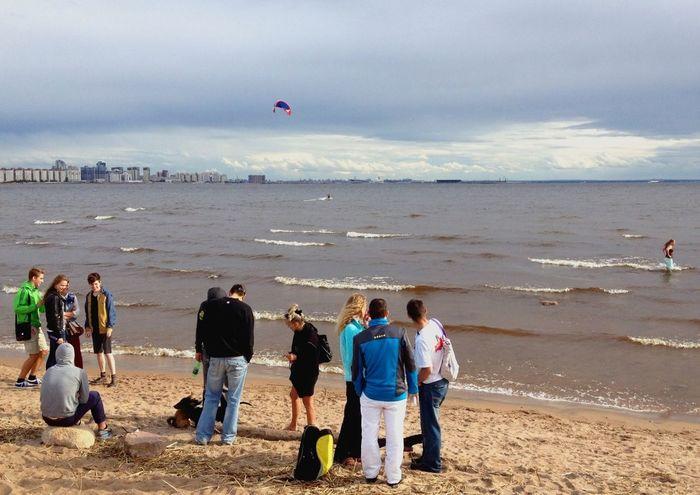 Hanging Out People Watching Kitesurfing BeeKiteCamp