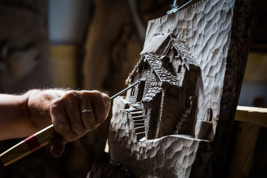 Close-up Day Focus On Foreground Holding Human Body Part Human Hand Midsection One Person Outdoors People Real People Skill  Wood - Material