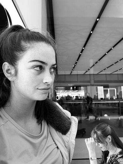 Headshot Real People Portrait Lifestyles Girls Women Indoors
