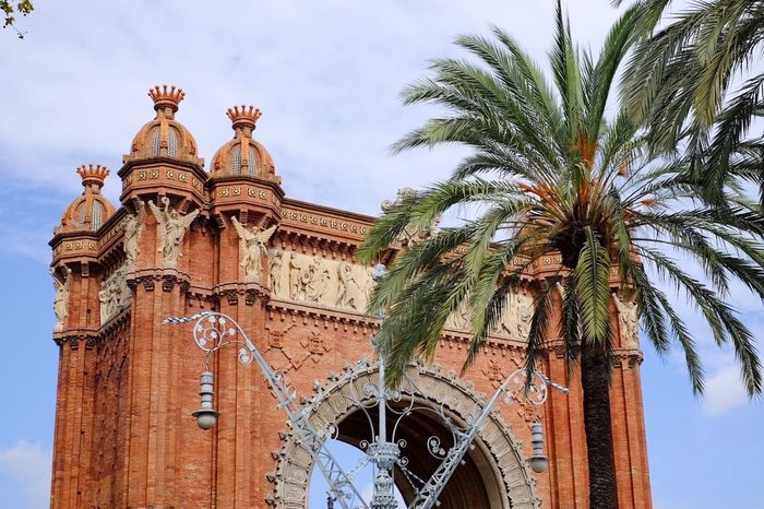 Arcdetriomf Arc De Triomf Architecture Built Structure Travel Destinations Famous Place Palm Tree Low Angle View Monument Barcelona España SPAIN