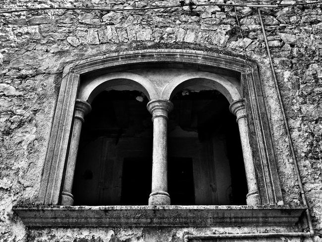 Sepino Abandoned Arch Architectural Column Architecture Arquitectura Building Building Exterior Built Structure Day Entrance Façade History Italy❤️ Low Angle View No People Old Ornate Outdoors Stone Wall The Past Wall Wall - Building Feature Weathered Window Window View