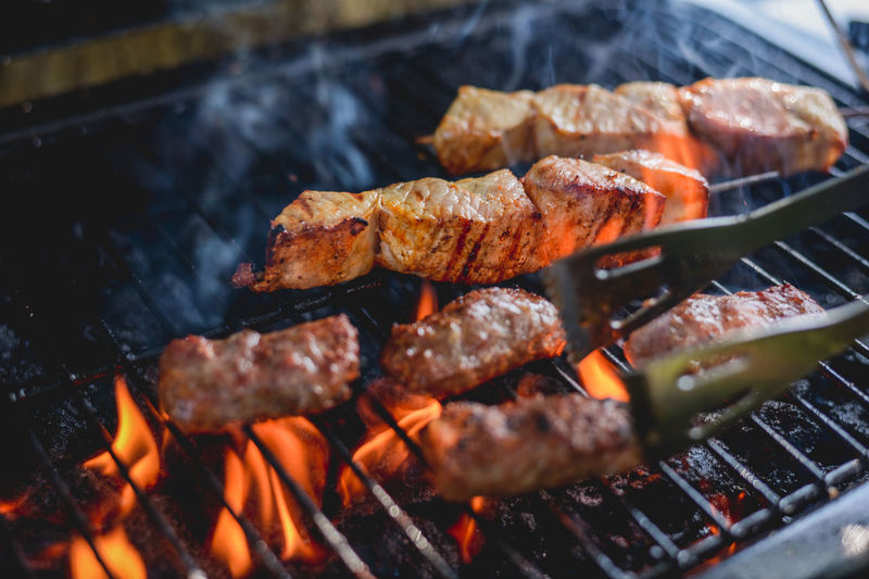 Barbaque Barbecue Barbecue Grill Barbecue Season Barbecuetime BBQ BBQ Time Cevapi Coal Cooking Fire Flame Food And Drink Grill Grilled Grilled Chicken Grilled Meat Grilling Grilling Out Heat - Temperature Kitchen Meat Preparation  Smoke Cevapi Lieblingsteil