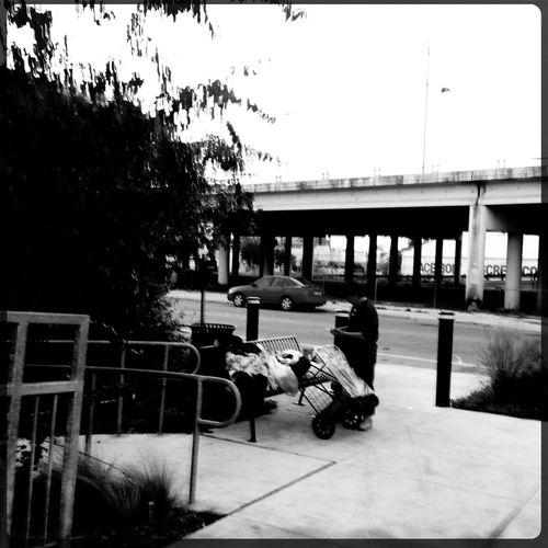 Hipstamatic Bridge Bag Lady B&w Street Photography