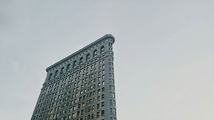 Flatironbuilding NYC Nycbound NY Instagood Instadaily Photography Photogrid Photooftheday Architecture Art Love Cityscapes Citylife Manhattan Cannon VSCO Vscocam Edit Editoftheday Snapseed Samsung Samsung6edge Thearchitect-2016-eyeemawards Blue