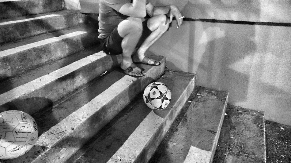 Stairwayed soccerism smoked Starirway Soccer Ball Cigarette  Black And White Headless Stars