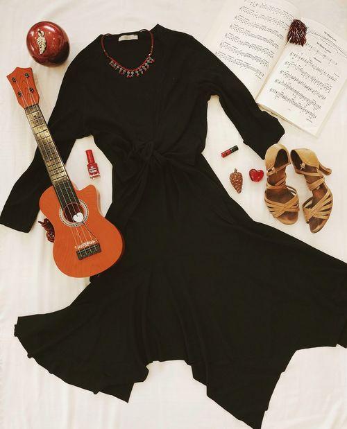 'Dünya Tango Günü kutlu olsun! ... | HAPPY INTERNATIONAL TANGO DAY! 🎁🎼🍹♥️🎻 ________________________________________________ Inspration Tango Music Followme Vscocam Dance Red Cute Argantinetango Photooftheday Instrumentalmusic DanceShow Vscoturkey Gooddays Bugununfavorisi Follow Huzur Danceshoes Selincetingallery Photo Mywold Photography Pattern Arts Culture And Entertainment Fashion Black Color People Adults Only Nail Polish