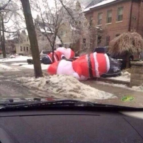 Go home Santa's you're drunk. SantaClauseDown