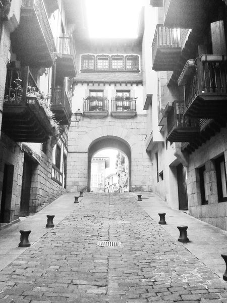 subo o bajo? Medieval Oldtown Eye4blackandwhite Eye4photography  AMPt - Street