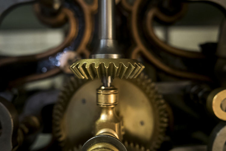 macro of gear Nature Clock Alone Peace Clocks Macro Photography Loneliness Silence Quiet Portugal Simplicity Mechanic Indoors  Metal Gear Close-up Old Gear No People Clockworks Indoors  Equipment Machinery Machine Part Technology Selective Focus Still Life Industry Focus On Foreground Connection Factory Old Pattern Antique Detail Wheel Industrial Equipment