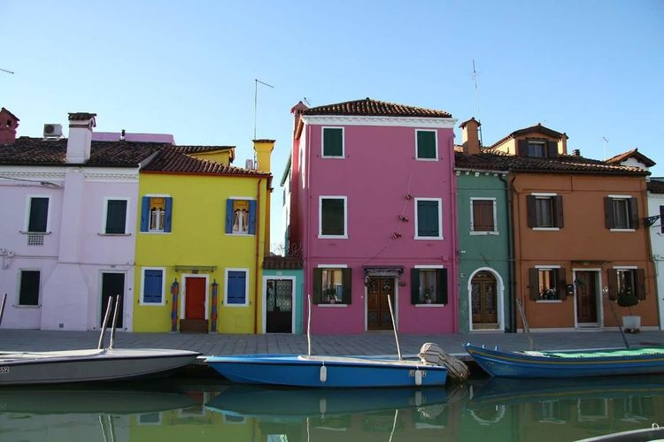 Venezia EyeEmNewHere Multi Colored Outdoors Day No People Residential Building House Picoftheday Wather Boats⛵️ Italy🇮🇹 Multicolor Houses EyeEm Best Shots - Architecture Travel