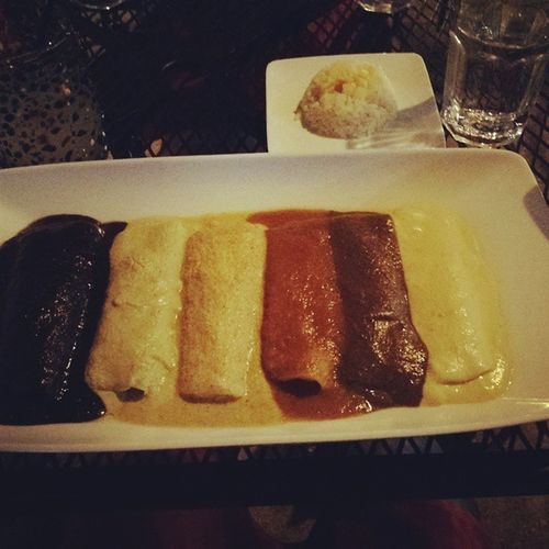 6 enchiladas in 6 different kinds of mole sauces... Let's do this!