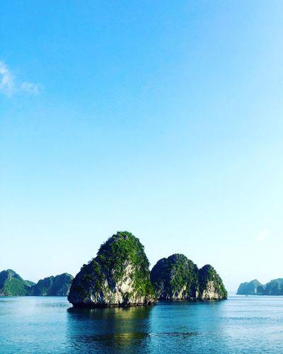 Halong karsts Halongbay Travel Adventure Karst Eyeemphoto EyeEm Best Edits EyeEm Best Shots IPhoneography Vscocam Sea Cruise Check This Out