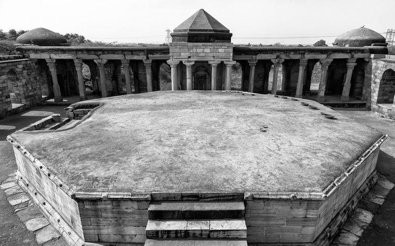 Sultan Garhi Tomb Delhi Sultanate Delhi Sultanate Ancient Civilization Architectural Column Ancient History Politics And Government Sky Architecture Built Structure Civilization Archaeology The Past Tomb