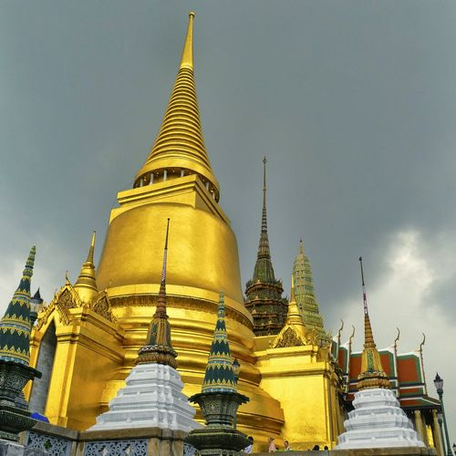 Gold Colored Religion Gold Architecture No People Spirituality Outdoors Architecture Bangkok Bangkok Thailand. Bangkok, Thailand Buddhism Culture Budhism Stupa Chedi Grandpalace Kingpalace Pagoda Place Of Worship Travel Dome City History Sky Cultures
