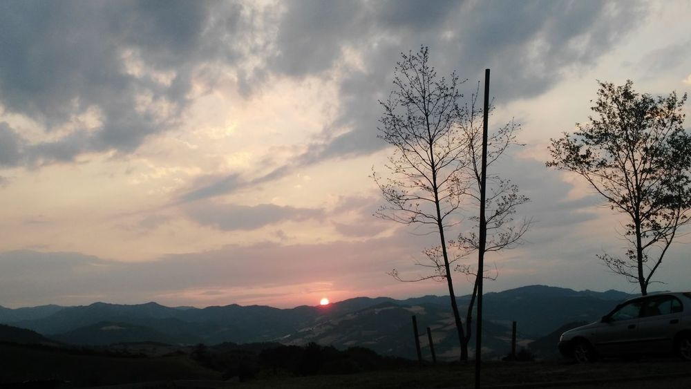 Mountain Cloud - Sky Sunset Sky Nature Sunlight Outdoors No People Beauty In Nature Tree Day Italy🇮🇹 My Passion ❤ Summer My Photography. ❤ Orginal Photograph